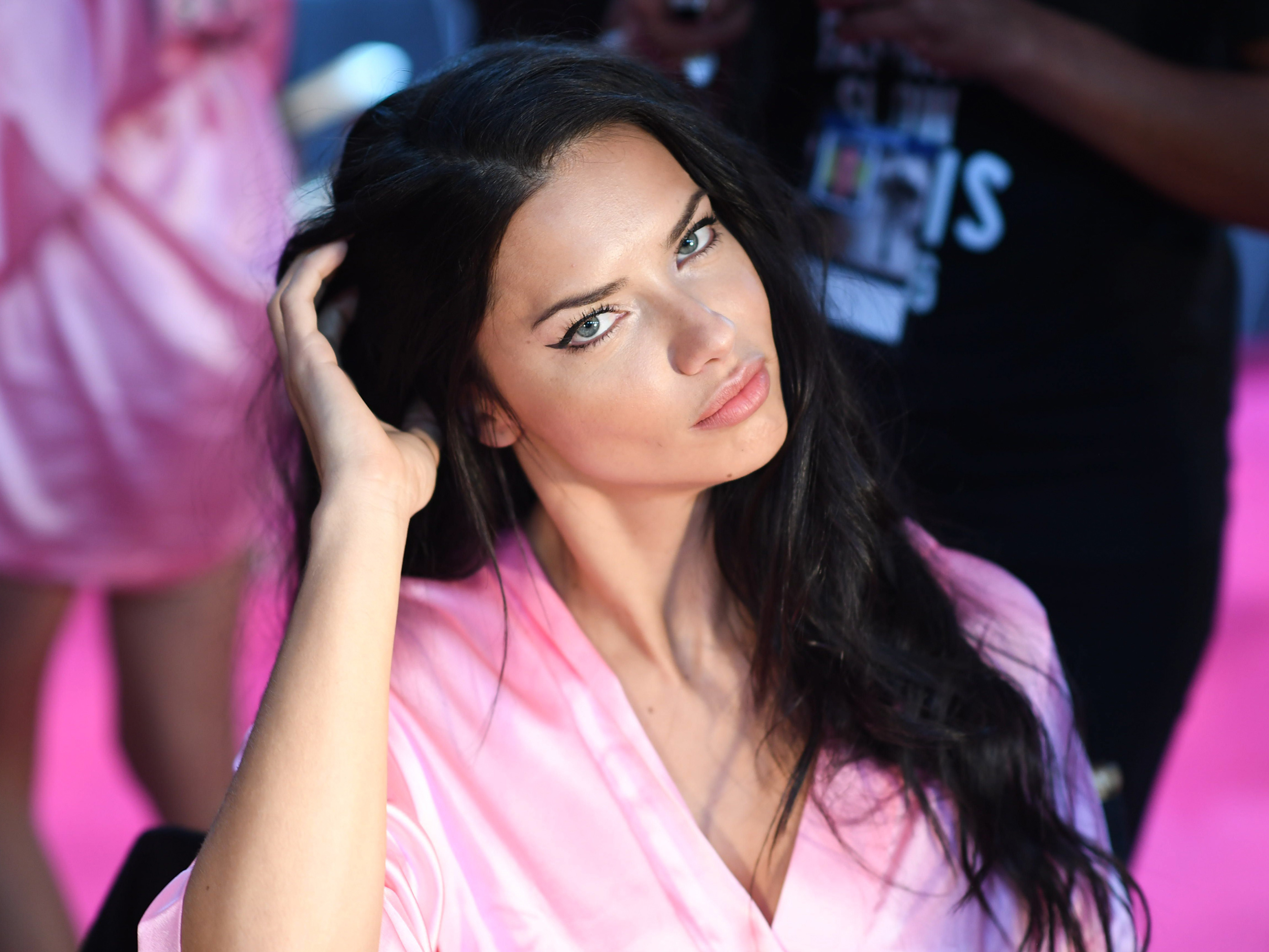 35 Wedding Hairstyles Discover Next Year S Top Trends For: Victoria's Secret 2016: All The Backstage Action