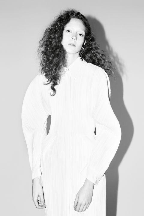 Model:Natalie Westling Photographer:Willy Vanderperre