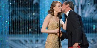 Was Epic Oscars 2017 Blunder Down To Leonardo Dicaprio 6475225 additionally Emma Stone Givenchy Dress Oscars 2017 also  on leonardo dicaprio blame oscars best picture blunder