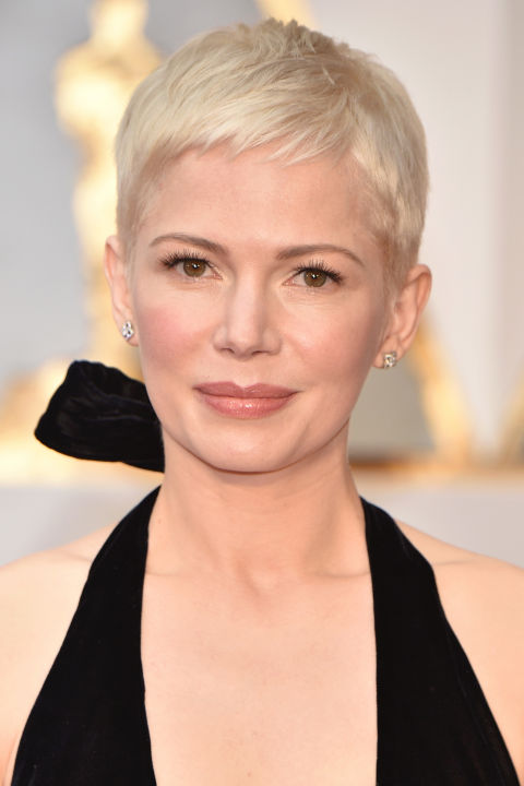 On the Oscars red carpet, Williams showed off a fresh, choppy pixie that looks like a 2017 version of Mia Farrow.