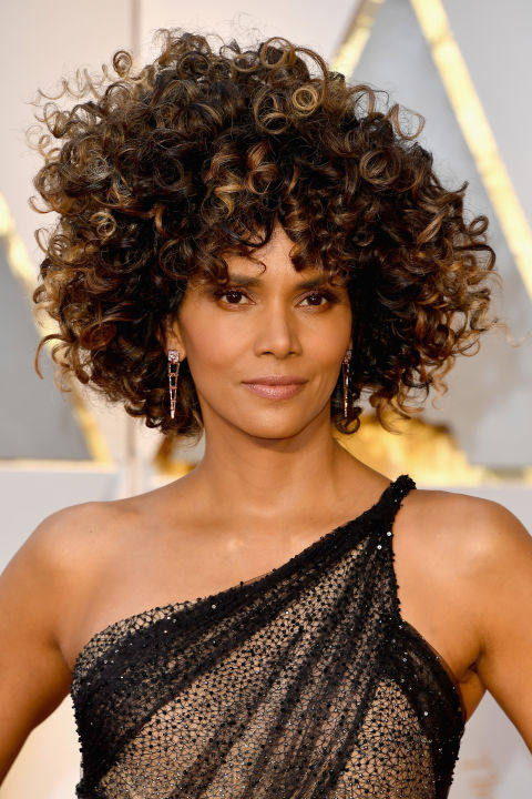Berry brought the drama in the form of a totally new hairstyle: big, bouncy, beautiful curls.