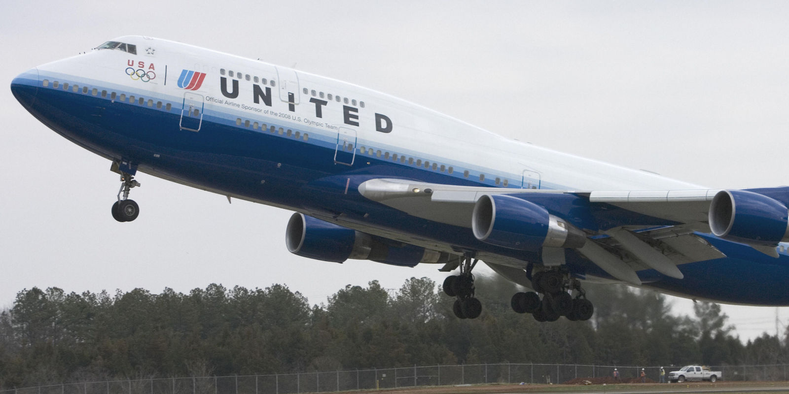 United Airlines revises policy - passenger removal